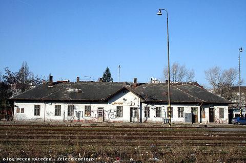 Filiálka - výpravná budova existujúcej stanice