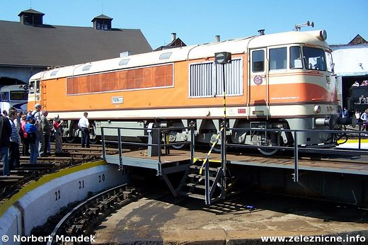 Motorový rušeň T 678.0012