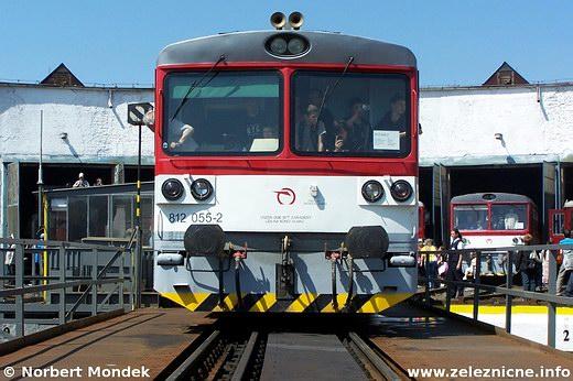 Motorový vozeň 812.055-2