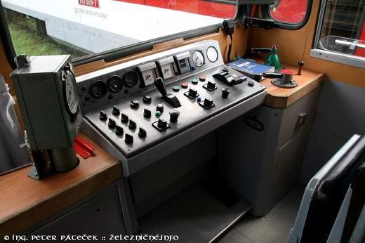 Motorový vozeň radu 811