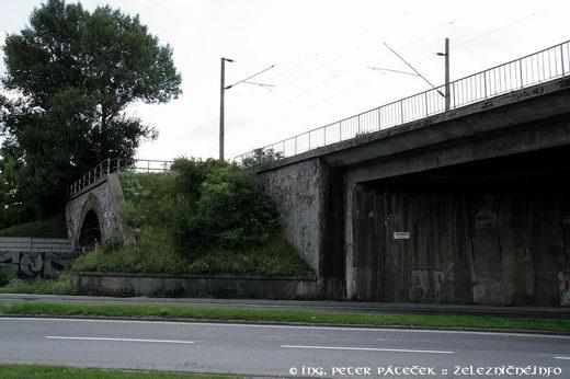 Pôvodný klenbový most nad Račianskou ulicou