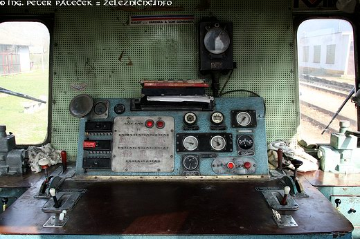 Motorový rušeň radu T 212.1
