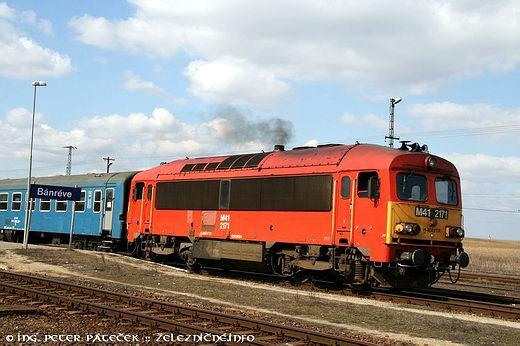 Osobný vlak 5415 doMiškovca odchádza