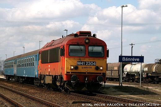 Osobný vlak 5432 doÓzdu odchádza