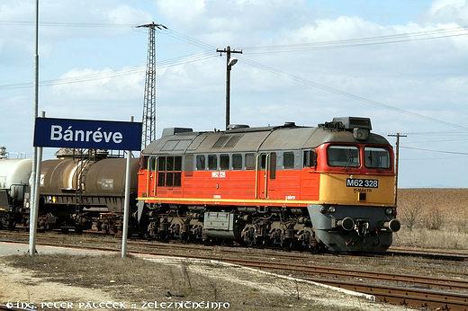 Sergej M62.328 načele nákladného vlaku