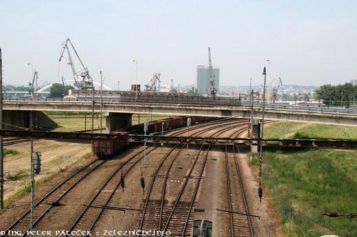 Železnica v prístave