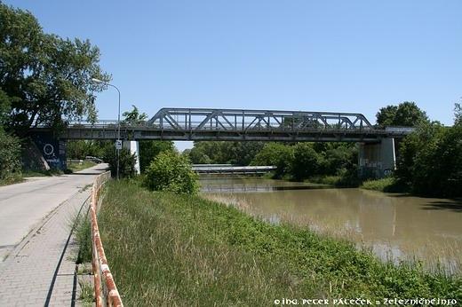 Most nad Malým Dunajom vo Vrakuni