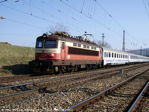 EC 102 Polonia Wien - Warszawa: ČD 242.273