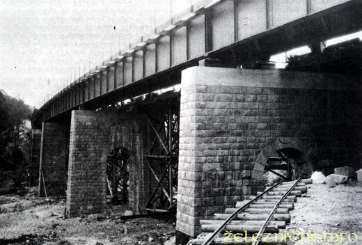 Červený most - výstavba