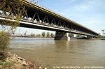 Prístavný most v Bratislave (Most Hrdinov Dukly, diaľnično-železničný most)